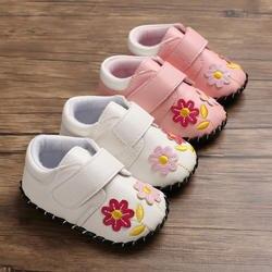 Милая обувь для маленьких девочек; повседневная обувь для новорожденных с красным цветком и бантом; обувь для девочек; повседневная обувь