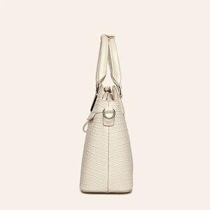 Image 5 - Crocodile Pattern Leather Handbags Women Bag New Simple Crossbody Bag For Lady High Quality Women Messenger Shoulder Bags HC258