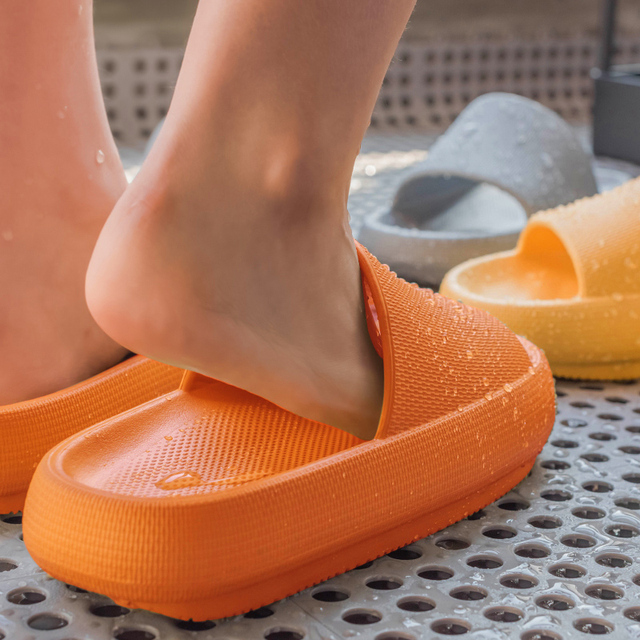 Women Summer Fashion Slippers Slide Sandals Beach High Heels Shower Thick Soft Sole Men Ladies Boys Girls Bathroom Shoes
