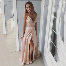 цена на 2019 Pink Spaghetti Straps Beaded Long Prom Dress V Neck Evening Dresses With Slit Side vestido gala mujer