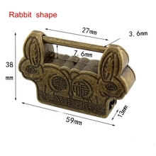 Vintage Chinese Padlock Antique Old Style Retro Brass Jewelry Box Fish Pattern Lock Key for Home Decor Ornaments