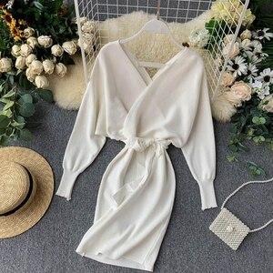 Image 2 - YuooMuoo Herbst Winter Frauen Gestrickte Pullover Kleid 2020 Neue Koreanische Lange Batwing Sleeve V ausschnitt Elegante Kleid Damen Verband Kleid