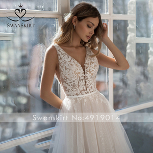 Image 3 - Sexy Beaded Backless Wedding Dress Swanskirt NR22 V neck Appliques Lace A Line Court Train Princess Bride Gown Vestido de Noiva