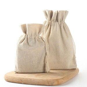 Image 2 - Подарочные пакеты из натурального льна, мешочки с джутовым шнурком для макияжа, ювелирных изделий, 8x11 см 9x12 см 10x15 см 13x17 см, упаковка из 50 индивидуальных логотипов