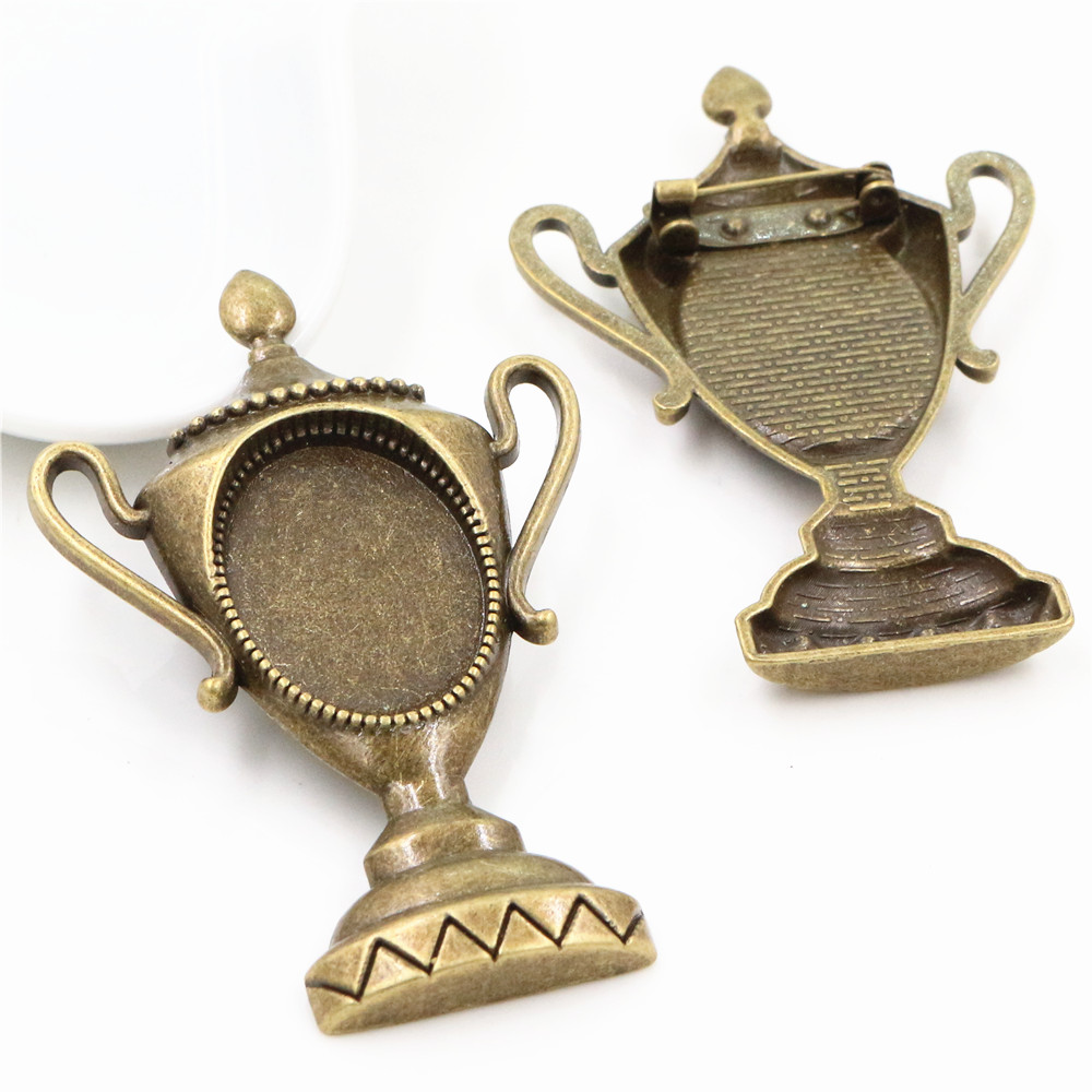 2pcs 18x25mm Inner Size Antique Bronze Brooch Pin Champions Trophy Style Cameo Cabochon Base Setting  (C3-61)