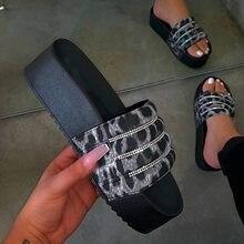 Vrouwen Strand Slippers Vrouw Med Hak Bling Schoenen Slippers Vrouwelijke Strass Sildes Snoep Kleur Outdoor Platform Flats Schoenen
