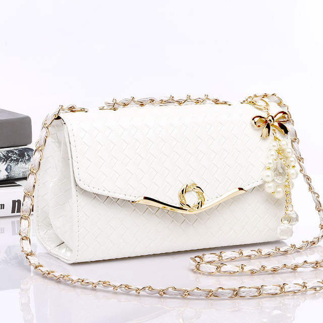 2020 Rivets Shoulder Messenger Bag Female Travel Handbags Chain Cross Body Bag