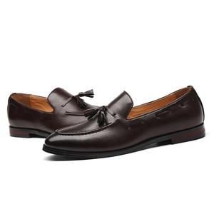 Image 5 - ผู้ชาย Casual รองเท้าผู้ชายรองเท้าอย่างเป็นทางการ CLASSIC SLIP บนรองเท้า Loafers ชายรองเท้าธุรกิจรองเท้า Zapatos De hombre