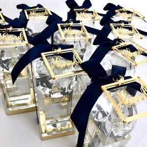 50 sztuk spersonalizowany ślub laserowo wycinane nazwa kwadratowe tagi srebrne złote lustrzane specjalne pudełko prezentowe metki do chrztu chrzciny Decor