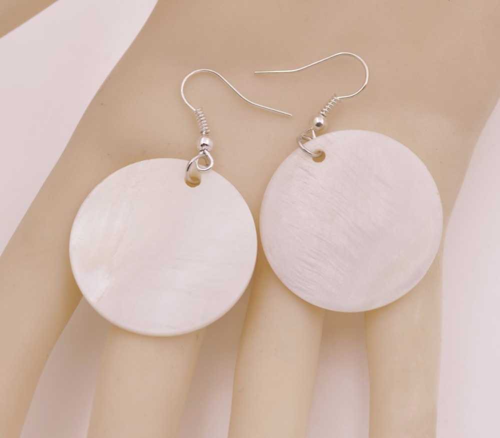 Купить с кэшбэком Natural White Coin Shell Mother of Pearl Drop/Dangle Silver Hook Earring 20mm 30mm 40mm 50mm Choose