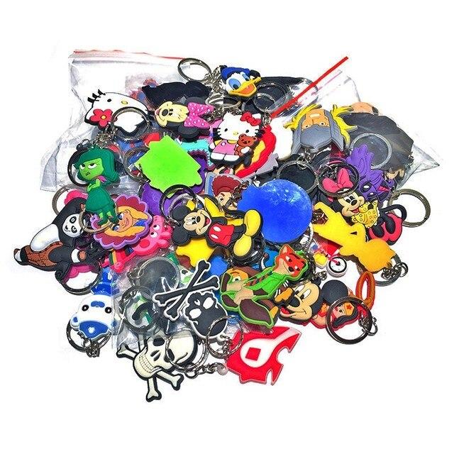 50/100 sztuk losowo mieszane Cartoon pcv brelok do kluczy brelok do kluczy klucz anime łańcuch superbohatera breloczek do kluczy brelok dla dzieci prezent Party Favor