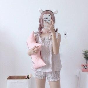 Image 4 - 2019 קיץ חדש kawaii נשים שני חלקים חליפת Harajuku מתוק חגורת רצועת למעלה + מכנסיים קצרים בית נקבה פיג מה סט
