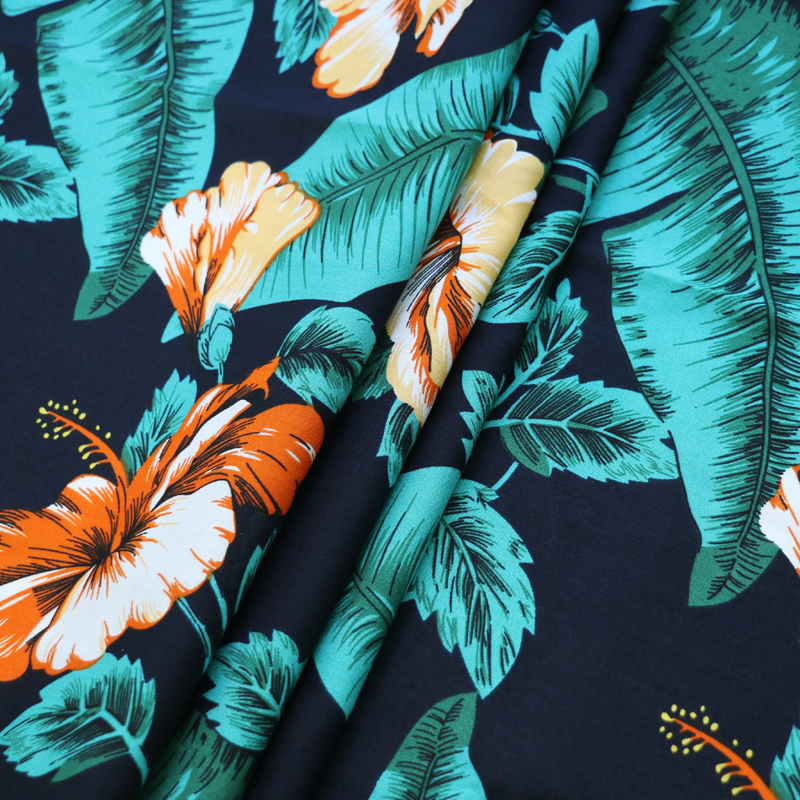 10 Metres Green Hawaiian Summer Printed 100/% Cotton Poplin Fabric.