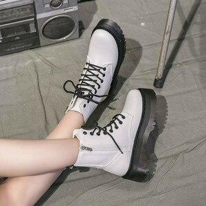 Image 4 - חורף אופנוע נשים קרסול שלג אתחול רך עור טריזי גומי פלטפורמת תחרה עד סקסי פאנק צבאי גבירותיי נעלי Botas Mujer