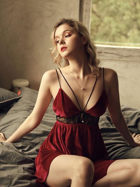 French Sexy Sleepwear Women Lace Hollow Sling Backless V-neck Nightdress Velvet Night Dress Lingerie Winter Nightgown 4