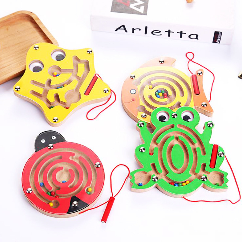 Kids//Child Wooden Toy Magnetic Maze Pen Labyrinth Educational Puzzle Board Games
