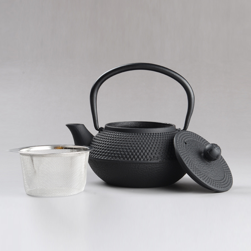 On Sale 300ML Japanese Iron Tea Pot With Stainless Steel Infuser Cast Iron Teapot Tea Kettle For Boiling Water Oolong Tea