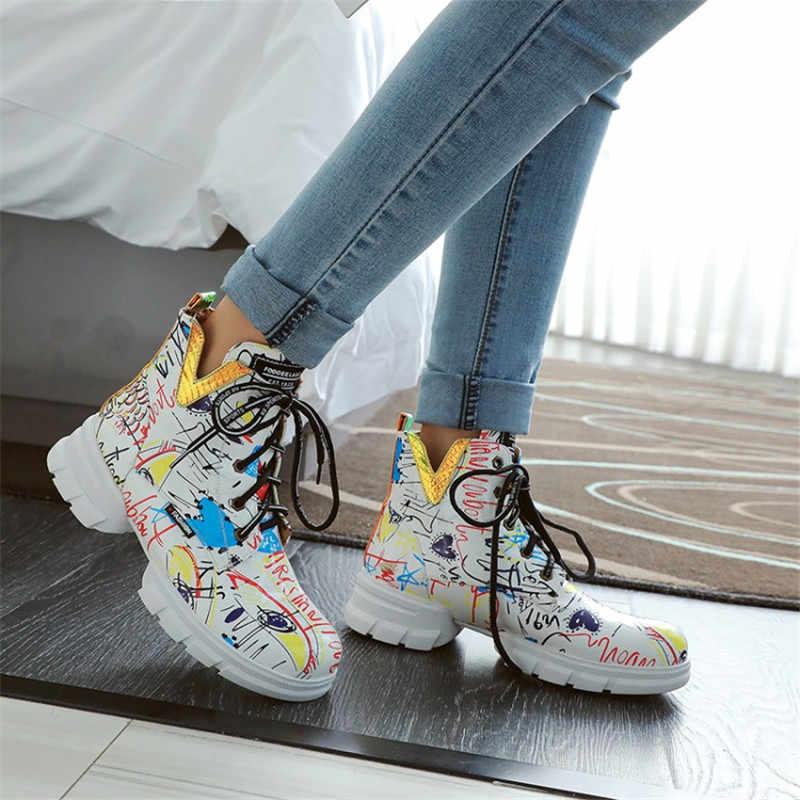 2019 г., британский стиль, граффити, толстый газетный рисунок, персональные короткие ботинки с студентами, большие размеры, женские ботинки martin