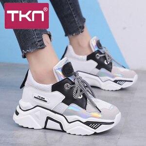 Image 3 - TKN امرأة منصة حذاء كاجوال السيدات شقة مكتنزة أحذية رياضية النساء أحذية جلدية صف 2019 zapatillas plataforma mujer X568