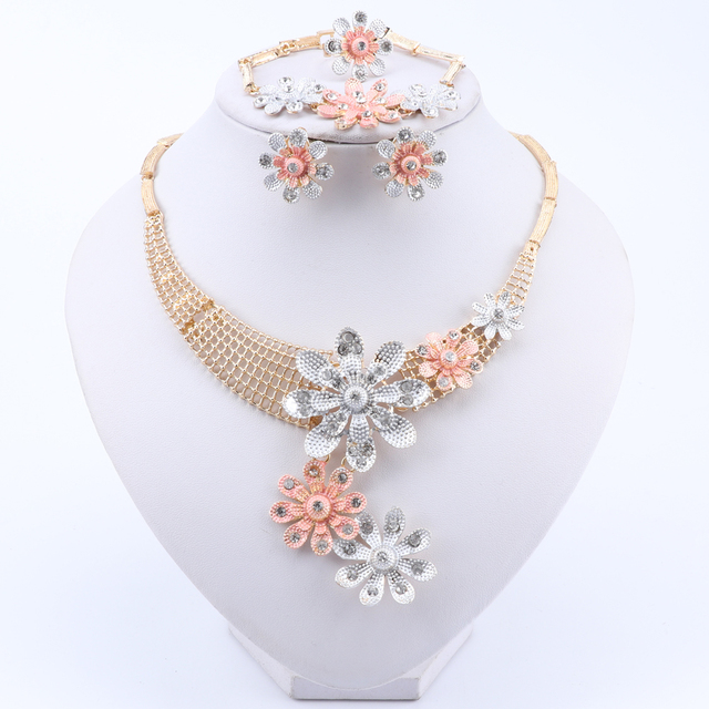 African Jewelry Set Trendy Flower Crystal Necklace Earrings Bracelet Ring Jewelry Set Dubai Woman Wedding Jewelry Set