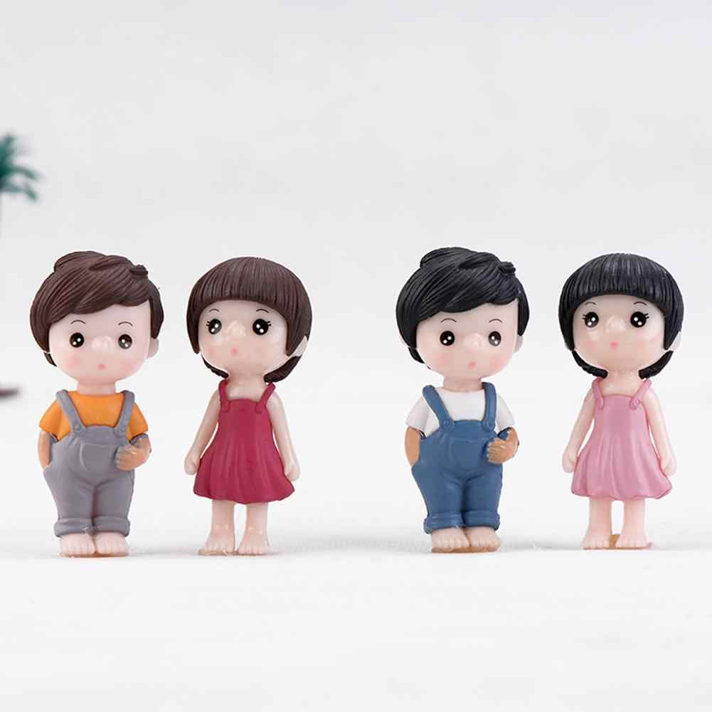 2 sztuk Mini żywica chłopiec dziewczyna para Model figurka samochód tabeli wystrój domu miniaturowy ogród bajki ogród akcesoria do dekoracji domu ho