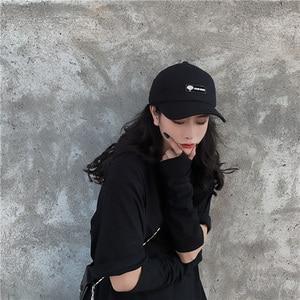 Image 5 - [EAM] 여성 블랙 분할 공동 멋진 어부 모자 새로운 라운드 돔 기질 패션 조수 모든 경기 봄 가을 2020 1H275