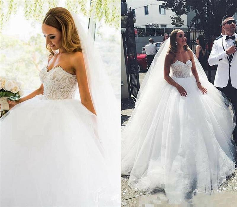 Romantic Lace Sweetheart Wedding Dresses Plus Size Appliques Tulle Bridal Gowns  Plus Size Wedding Gowns