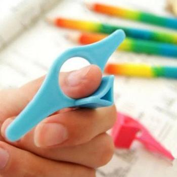 5 sztuk wielofunkcyjny plastikowy kciuk książka wsparcie stojak na książkę kciuk wygodny Marker szkolny materiały do zaznaczania stron czytanie H8Z4 tanie i dobre opinie Thumb up book support Z tworzywa sztucznego Bookends