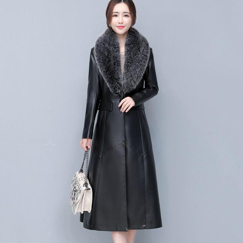 Купить женская кожаная куртка с меховым воротником однотонная приталенная