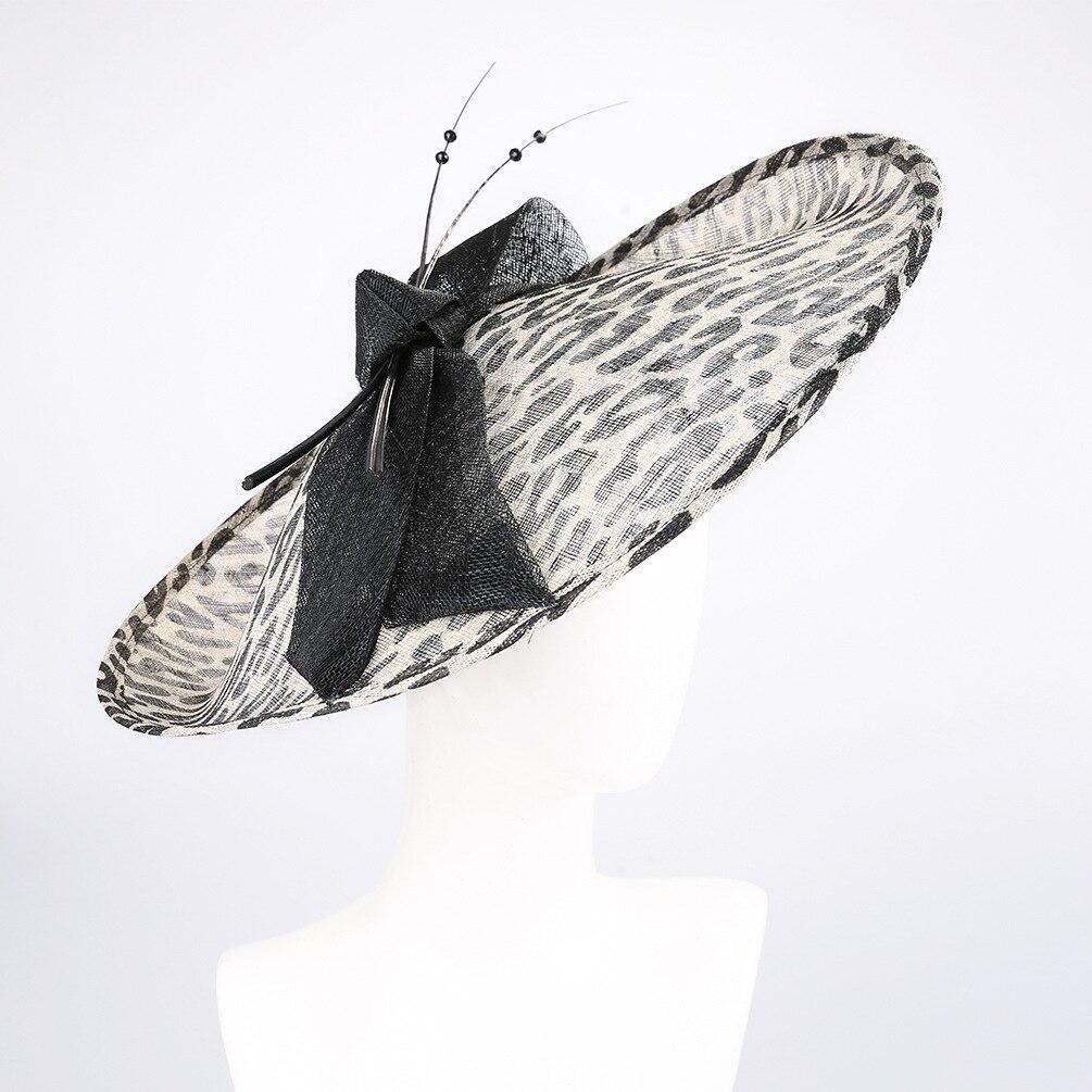 Marque britannique Style léopard imprimé Sinamay bandeau femmes grand arc Fascinator chapeau élégant dames Royal Cocktail Sinamay chapeaux
