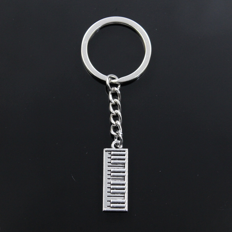 New Keychain 30x10mm Electronic Organ Piano Pendants DIY Men Car Key Chain Ring Holder Keyring Souvenir Jewelry Gift