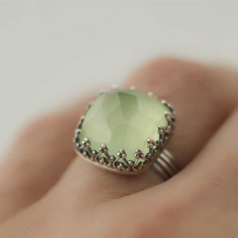 العتيقة النساء حلقة خمر بوهو الأميرة قص الطبيعية الكريستال الأخضر حجر سليكات الألمنيوم خواتم لل مجوهرات نسائية الشرير