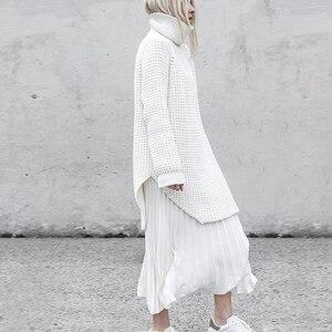 Image 4 - Twotwinstyle韓国側分割女性のセータータートルネック長袖暖かい厚手の女性のセーター2020秋冬ファッション新