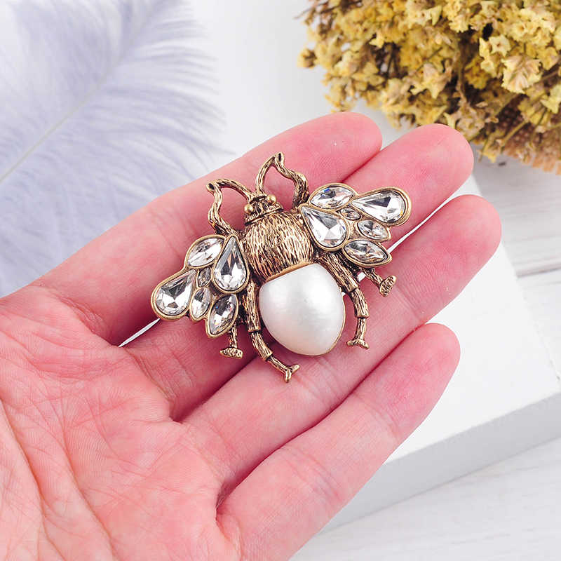 Bohemia  New Tendency Fashion Imitation Pearls Red/White Color Glass Bee Insect Brooch For Women Statement Jewelry Wholesale