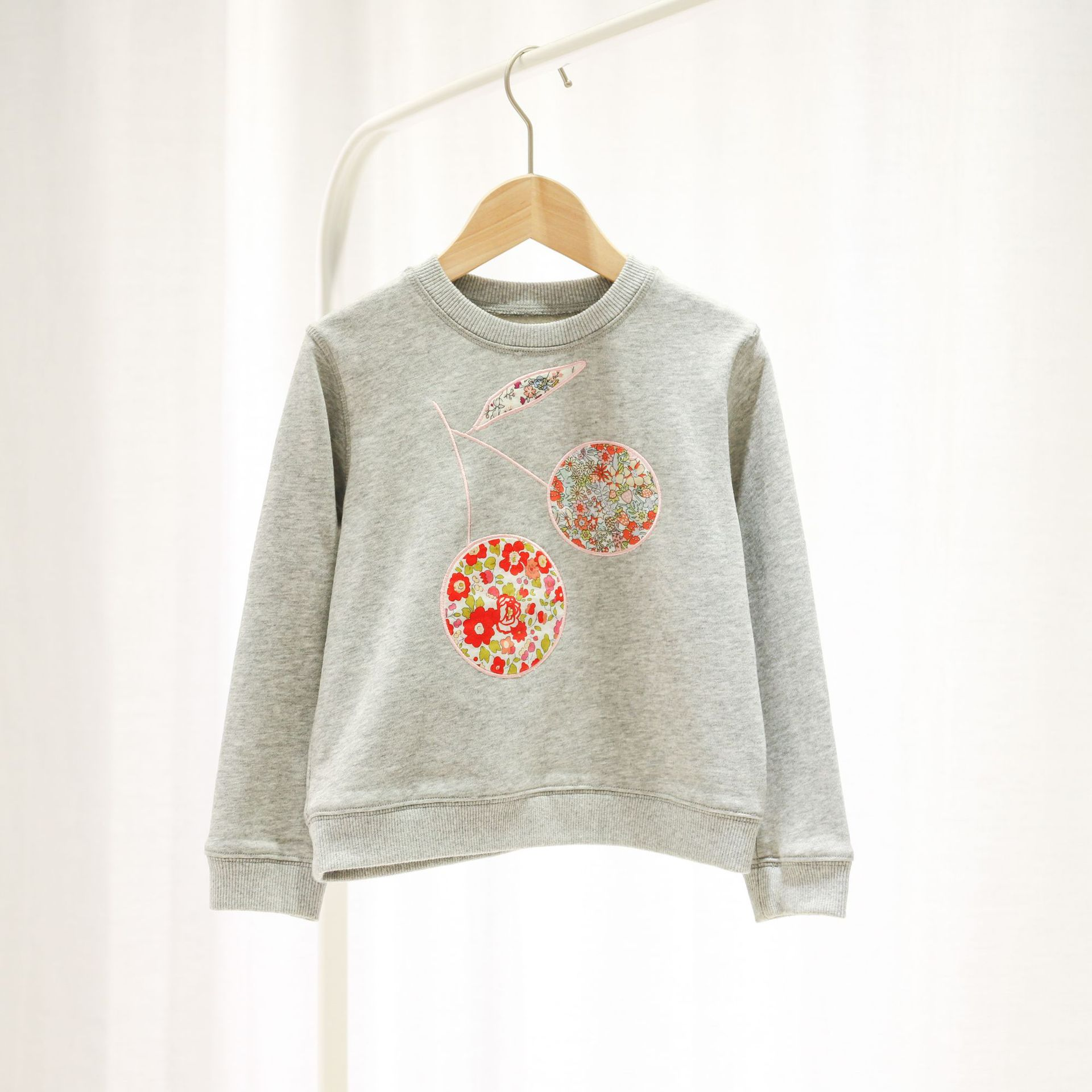 Pre-sale 2020 April 15th Baby Sweatshirt Floral Pattern O-neck Gray Color Cotton Kids Tops Long Sleeve Baby Tops