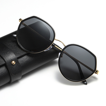 цены на Fashion sunglasses woman man 2019 new Retro child colorful Polarized light glasses UV400 Anti-UV high quality vintage Sunglasses  в интернет-магазинах