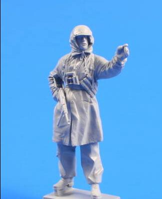 1/35 Resin Figure Winter German Soldier 1pc Style III Model Kits (no Base)