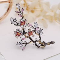 Classic Chinoiserie Plum Blossom Brooch Fashion Zirconia Crystal Brooches Women Mens Suit Accessories Jewelry Floral Lapel Pins