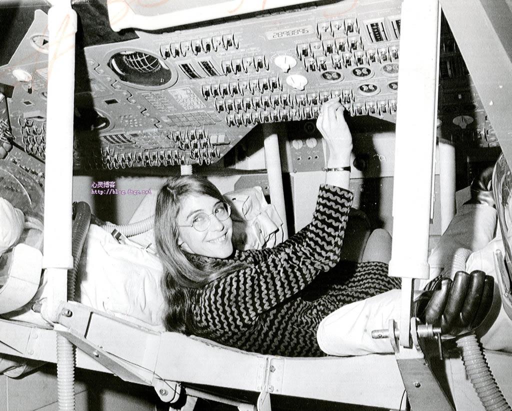 汉密尔顿在担任阿波罗飞行软件首席设计师期间