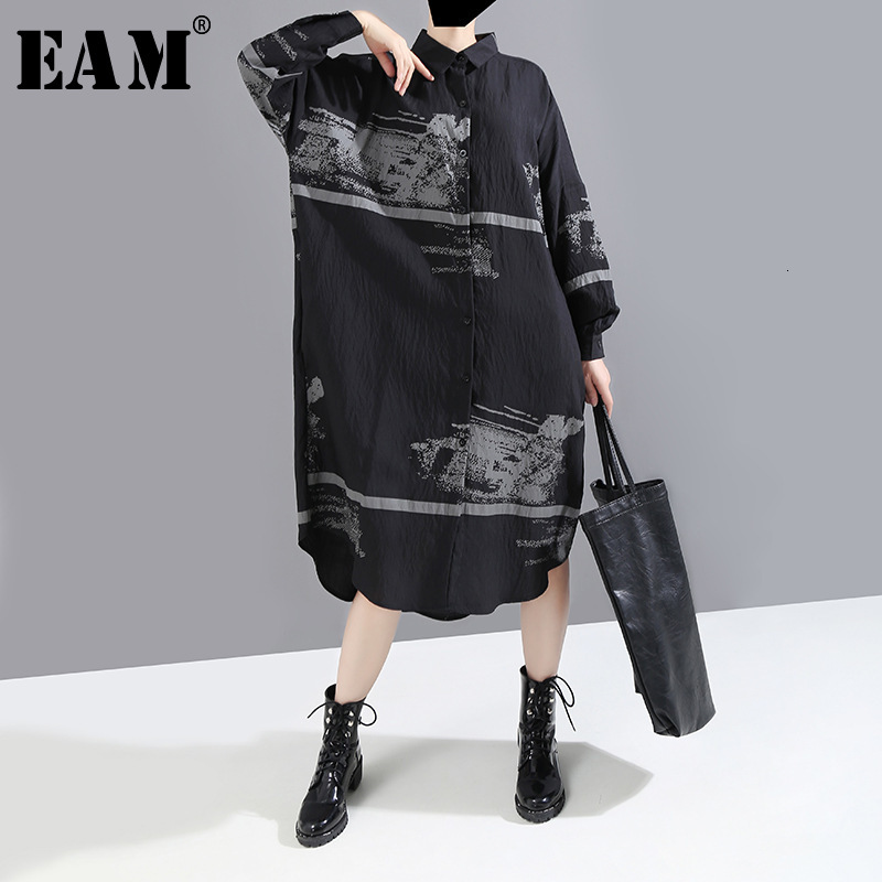 [EAM] Women Black Pattern Print Split Big Size Shirt Dress New Lapel Long Sleeve Loose Fit Fashion Tide Early Spring 2020 1M912