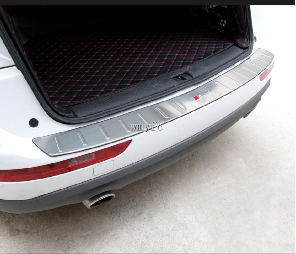 Black titanium Outer Rear Door Bumper Guard Sill Plate For Audi Q7 2016-2018