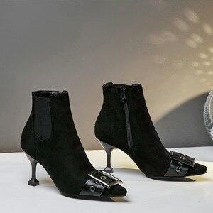 Image 5 - 패션 블랙 그린 부츠 여자 유럽 버클 발목 부츠 섹시한 하이힐 빈티지 pu 가죽 레이디 신발 대형 사이즈