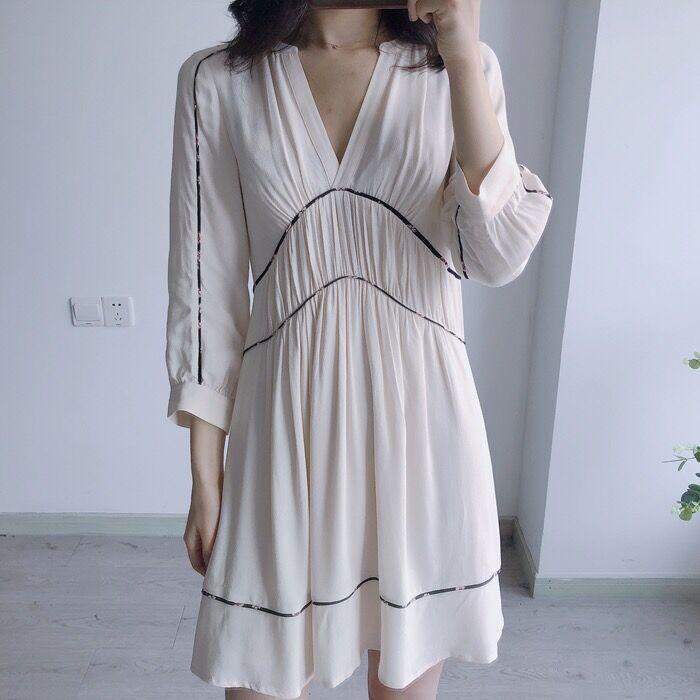 Kobiety sukienka 2019 francuski suknia ślubna nowy dekolt w serek plisowane luźne na co dzień długi rękaw mini sukienka w Suknie od Odzież damska na  Grupa 1