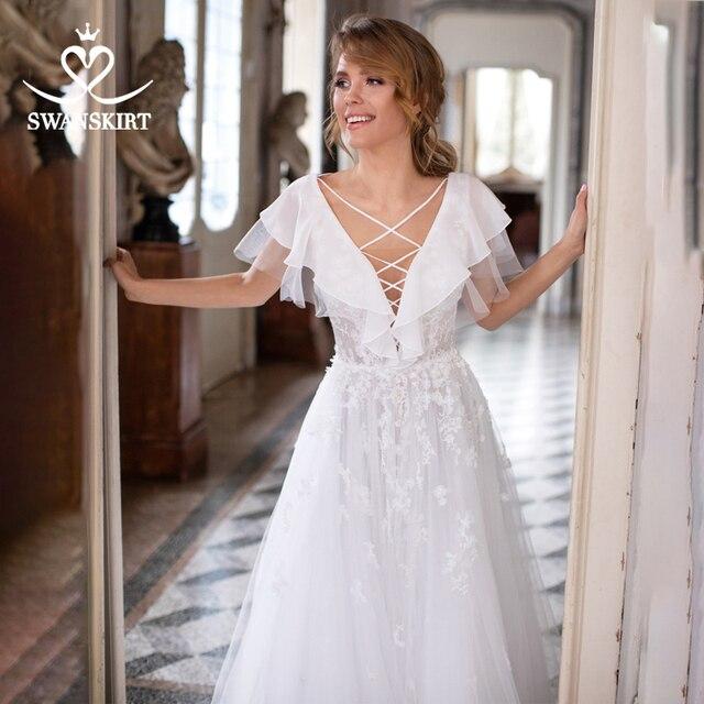 Boho Illusion Wedding Dress V neck Appliques A Line Lace up Court Train Swanskirt D109 Bridal Gown Princess Vestido de novia