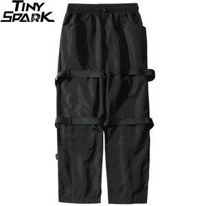Image 4 - Calças de carga de hip hop streetwear 2019 harajuku calças com zíper traseiro fivela fita hiphop corredores harem calças bolsos outono preto
