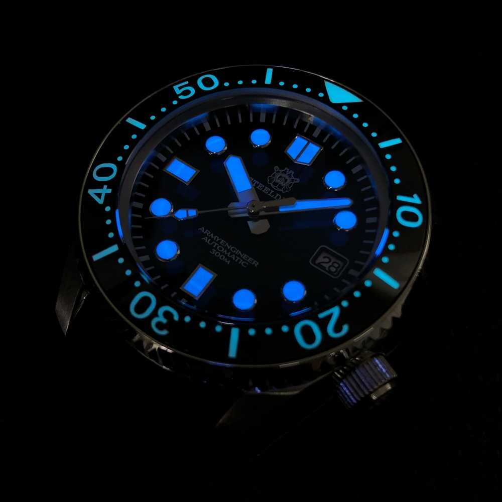 Steeldive 1968 300メートルダイバー腕時計セラミックベゼルダイブ腕時計スーパーC3発光腕時計メンズ自動日本NH35機械式時計男性