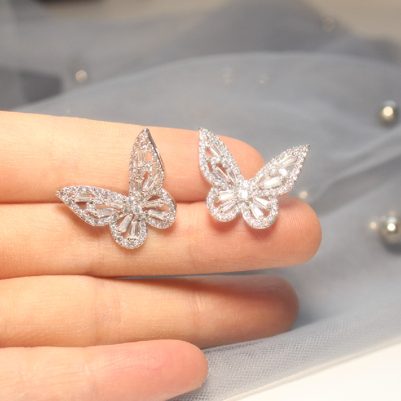 2020 Korea Hot Sale Fashion Jewelry Exquisite Elegant Copper Inlaid Zircon Earrings Small Smart Butterfly Earrings for women