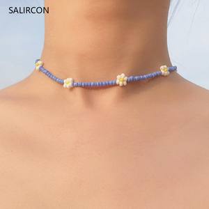 Salircon Boho Small Flower Daisy Choker Necklaces Handmade Seed Beads Short Clavicle Chain Necklace For Women Fashion Jewelry