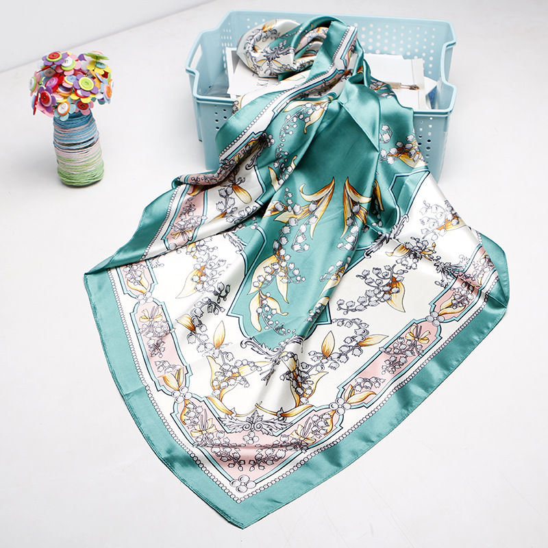 Square Scarves Women Chain Print Sunscreen Silk Scarf Female Satin Long Scarf Dual-use Shawl Beach Towel Shawl Bell Orchid