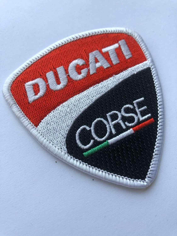 Moto Ducati Patch Ferro su Decorare Giacca Ricamato Cappuccio T-Shirt Denim Jean Bag Sport Moto Moto Grande Rac